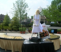 "Marilyn & ""The Seven Year Itch"" Buffet Station"