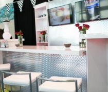 Diamond Plate Networking Cafe